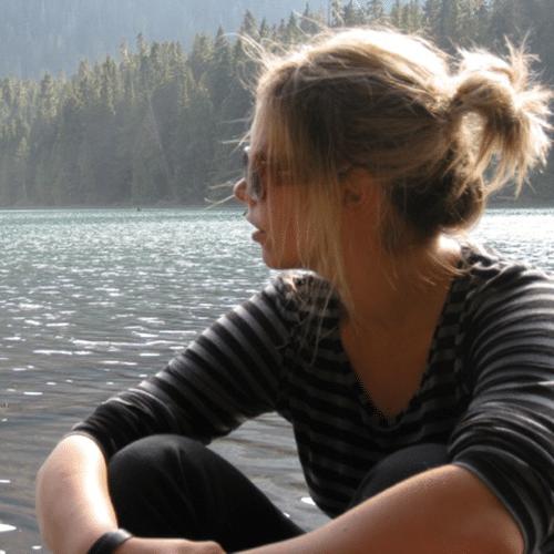Testimonial Headshot - Amelie